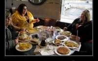 Демотиватор про толстых женщин