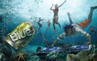 картинка, рисунок, прозрачная вода, люди под водой, банка, ди джей