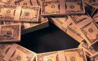 Пачки долларов США