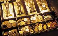 Касса с золотыми монетами