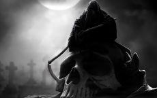 Ангел смерти на черепе