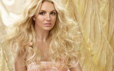 Певица Бритни Спирс с шикарными волосами.