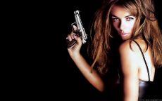 Элизабет Джейн Хёрли — британская актриса, продюсер, фотомодель.