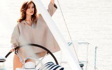 Модель Оливией Уайлд (Olivia Wilde) на яхте.