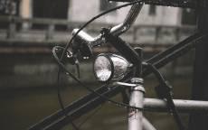 Осень, дождь, капли, винтажный велосипед, фара велосипедная