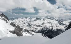 Зима, снег, горы, облака, тень