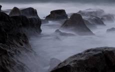 черно белое, камни, туман, скалы, пейзаж