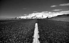 Черно белое, дорога, асфальт, разметка, горизонт