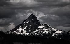 Черно белая фотография, Гора, снег, облака