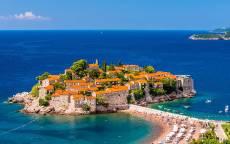 Черногория, Курорт Свети-Стефан, Будва, пляж, море, голубое небо