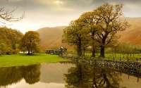 Англия, осенний пейзаж, озеро, дом фермера