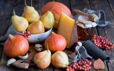 Натюрморт, фрукты, сыр, рябина, мед, тыква, лук