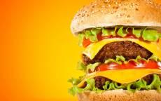Аппетитный двойной чизбургер