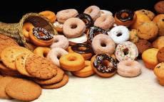 Десерт, сладости, кексики, печенья, пончики, корзинка