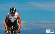 Триатлонист на велосипеде