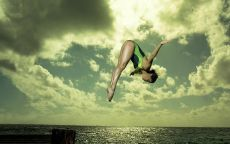 Прыжки в воду Море